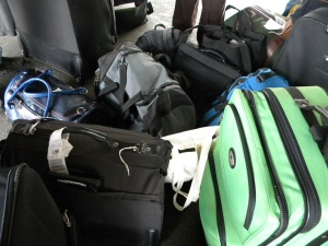 GSE Team vs. Luggage